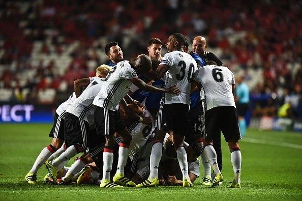 Dünyanın siyah-beyaz takımları! 1