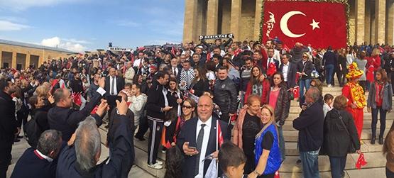 Beşiktaşlılar Anıtkabir'de! 2