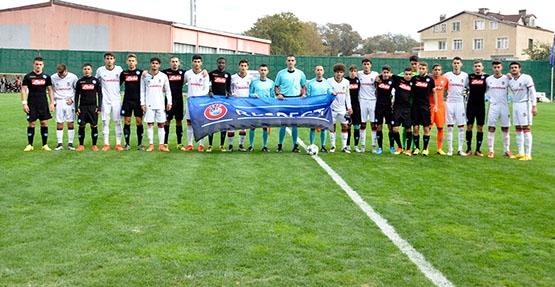 Beşiktaş - Napoli gençlik maçından kareler 1