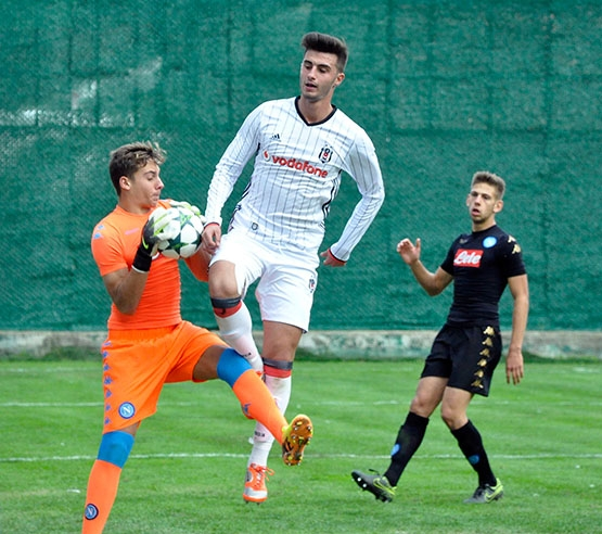 Beşiktaş - Napoli gençlik maçından kareler 2