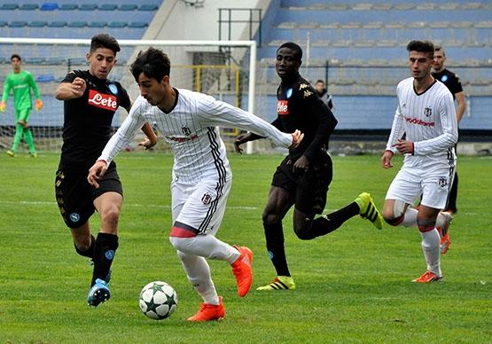 Beşiktaş - Napoli gençlik maçından kareler 4