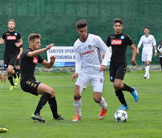 Beşiktaş - Napoli gençlik maçından kareler 5