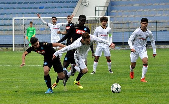 Beşiktaş - Napoli gençlik maçından kareler 6