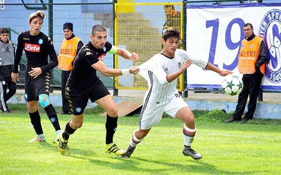 Beşiktaş - Napoli gençlik maçından kareler 7