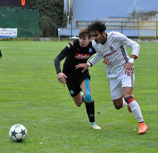 Beşiktaş - Napoli gençlik maçından kareler 9