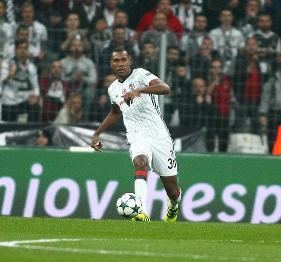Beşiktaş - Napoli maçından kareler 19
