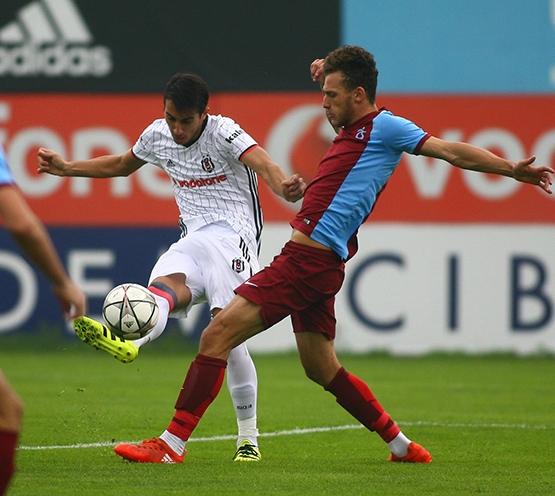 Beşiktaş - Trabzonspor (U-21) maçından kareler 15