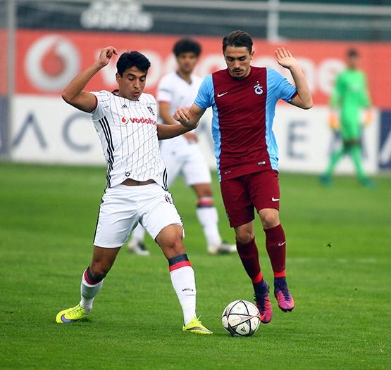 Beşiktaş - Trabzonspor (U-21) maçından kareler 16