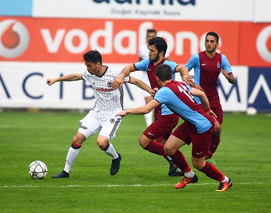 Beşiktaş - Trabzonspor (U-21) maçından kareler 3