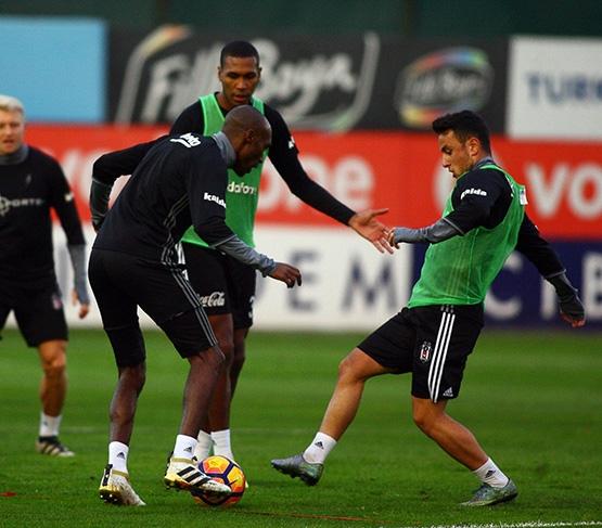 Beşiktaş'ın Adanaspor antrenmanından kareler 1
