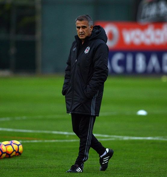 Beşiktaş'ın Adanaspor antrenmanından kareler 11