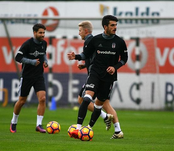 Beşiktaş'ın Adanaspor antrenmanından kareler 14