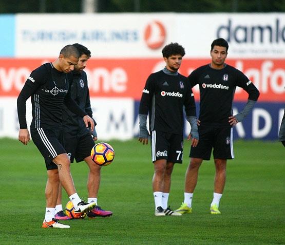 Beşiktaş akşam antrenmanından kareler 17