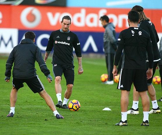 Beşiktaş akşam antrenmanından kareler 4