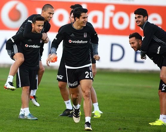 Beşiktaş akşam antrenmanından kareler 6