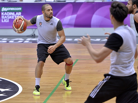 Beşiktaş Sompo Japan kampa girdi 12