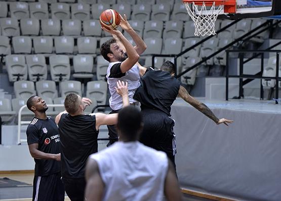 Beşiktaş Sompo Japan kampa girdi 7