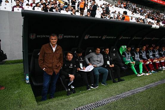 Beşiktaş-AZ Alkmaar maçından kareler 12