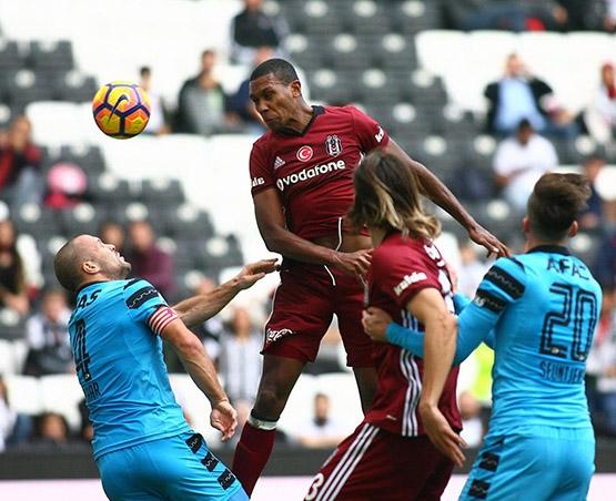 Beşiktaş-AZ Alkmaar maçından kareler 26