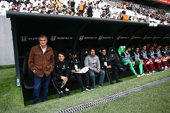Beşiktaş-AZ Alkmaar maçından kareler 34