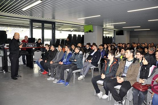 Genç mühendisler Vodafone Arena'da bir araya geldi 11