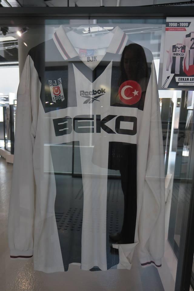 Beşiktaş Müzesi'nde sergilenen 21 efsane forma 1