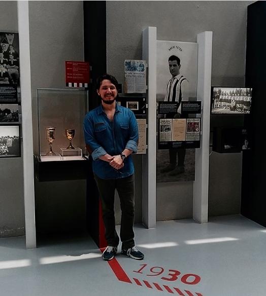 Burak Aksak, Beşiktaş JK Müzesi'ni ziyaret etti! 1