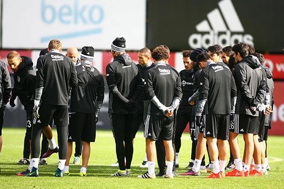 Beşiktaş'ın bugünkü antrenmanından kareler 1