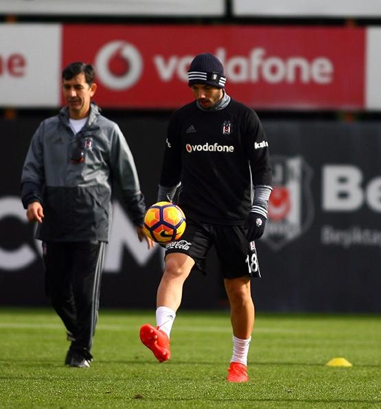 Beşiktaş'ın bugünkü antrenmanından kareler 11