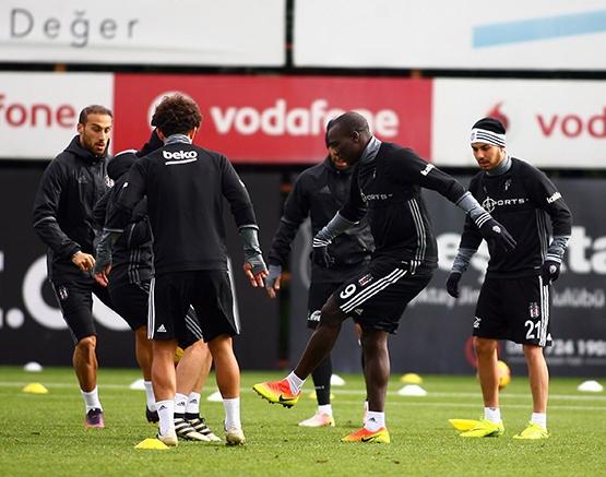 Beşiktaş'ın bugünkü antrenmanından kareler 12