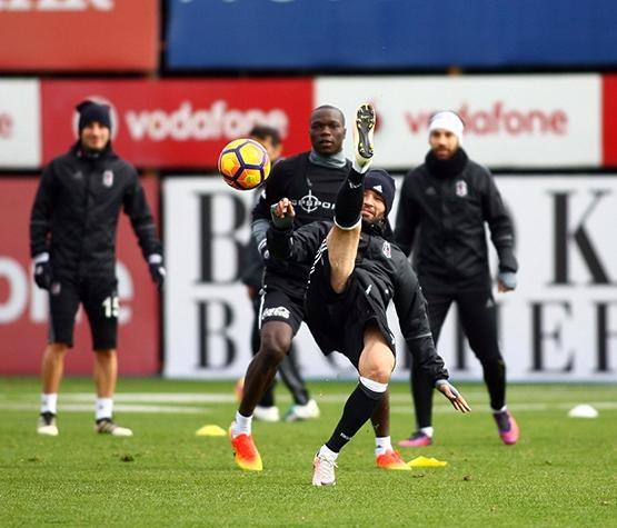 Beşiktaş'ın bugünkü antrenmanından kareler 13