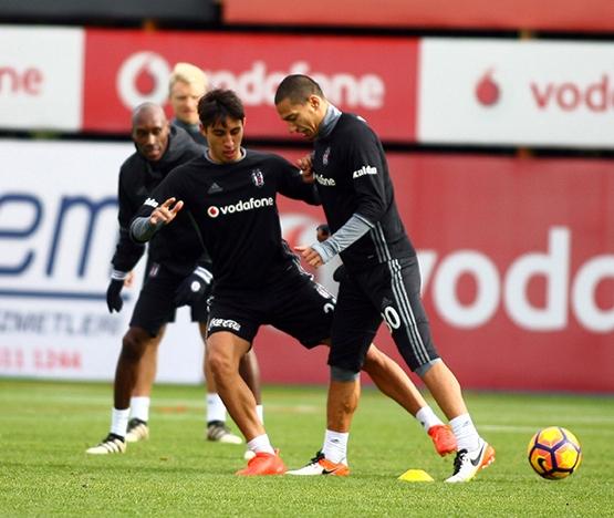 Beşiktaş'ın bugünkü antrenmanından kareler 8