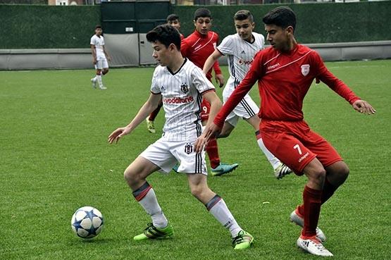Beşiktaş:3 Pendikspor:0 (U-14) 12