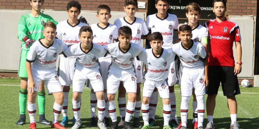 Beşiktaş U13 Takımı, Karagümrük'ü 6 golle devirdi!