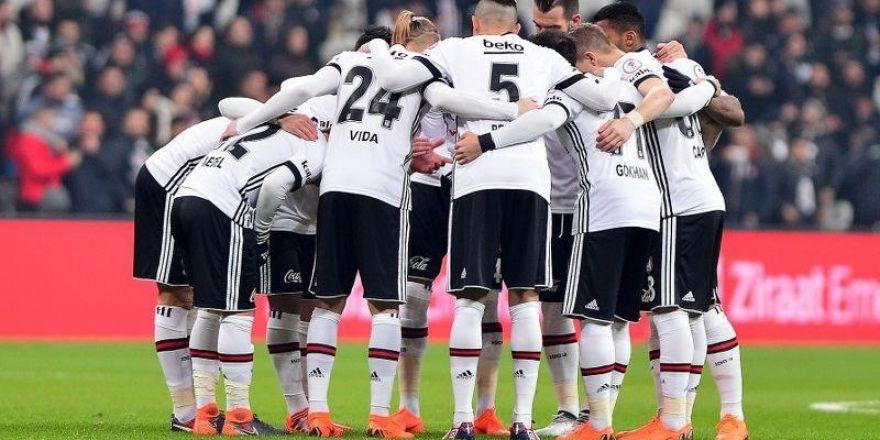 Beşiktaş'ta 37 günlük izin bitiyor. Peki siyah - beyazlı futbolcular tatil döneminde ne yaptı?