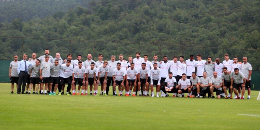 Beşiktaş yeni sezon hazırlıklarına başladı! İşte antrenmandan kareler...