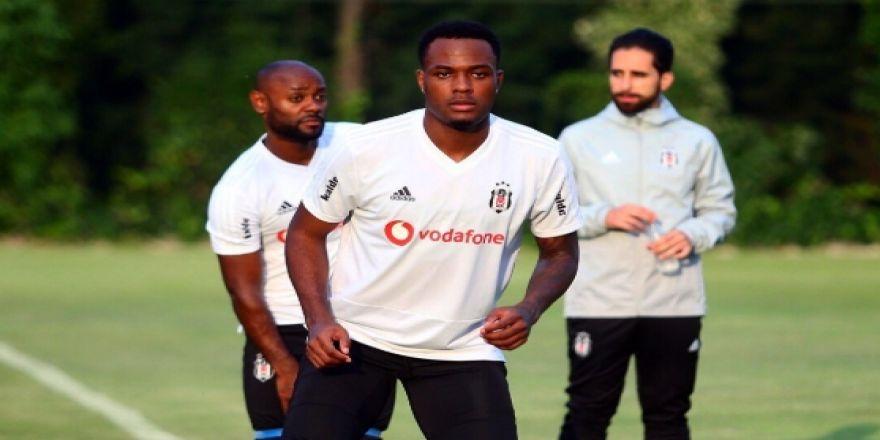 Beşiktaş, sezonun ikinci antrenmanını yaptı! İşte antrenmandan kareler