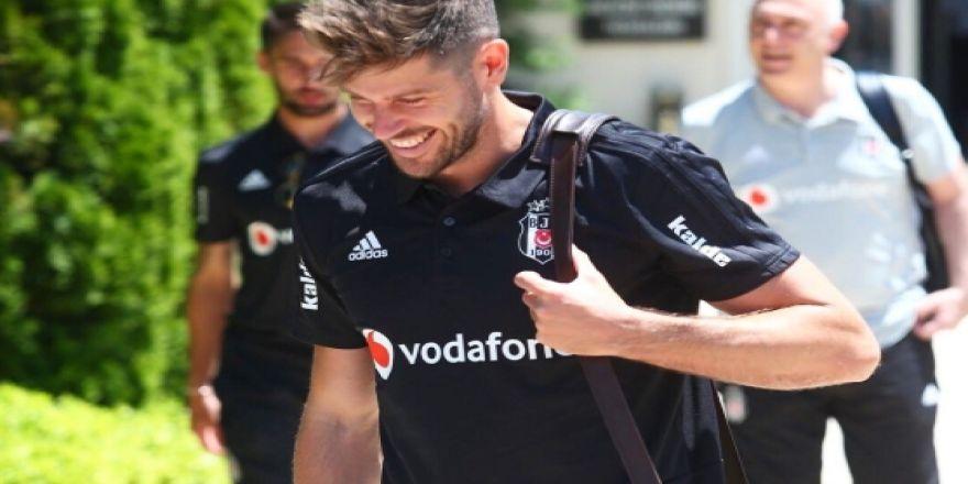 Beşiktaş'ın Slovakya yolculuğu başladı! İşte siyah beyazlıların kamp kadrosu