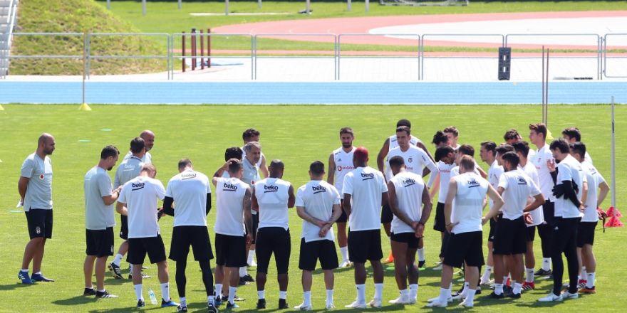 Beşiktaş Slovakya'da yeni sezon hazırlıklarını sürdürüyor. İşte antrenmandan kareler