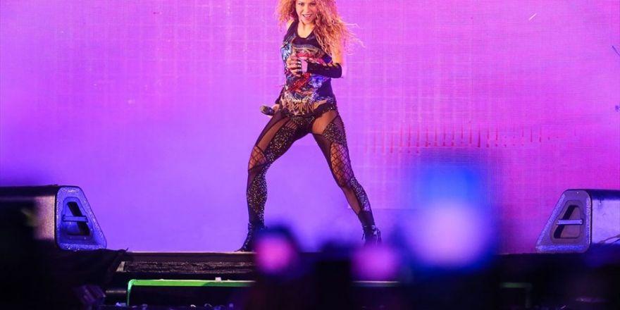"""Beşiktaş'ın resmi hesabından Shakira'ya """"grasias"""" mesaji"""