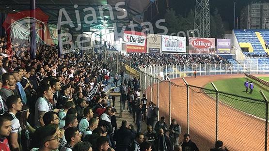 Beşiktaş tribünleri tıklım tıklım 2