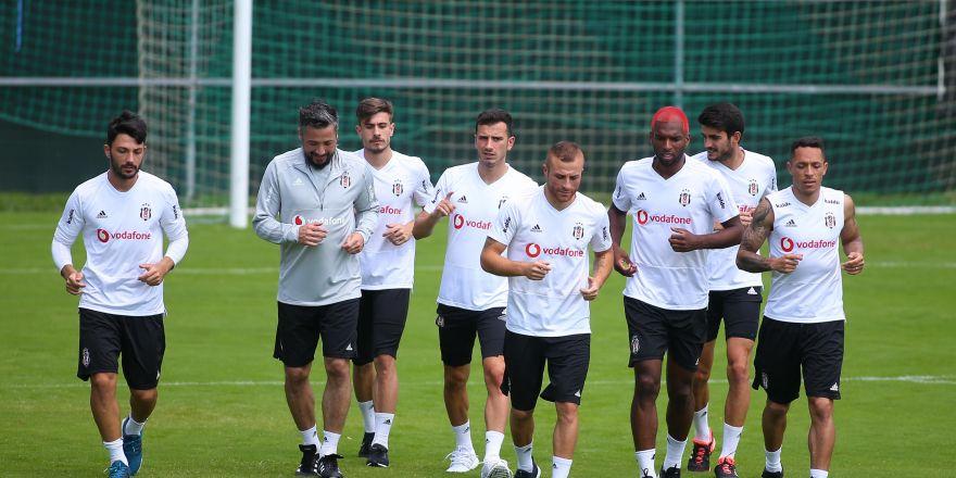 Beşiktaş, çalışmalarını sürdürüyor! İşte antrenmandan görüntüler...