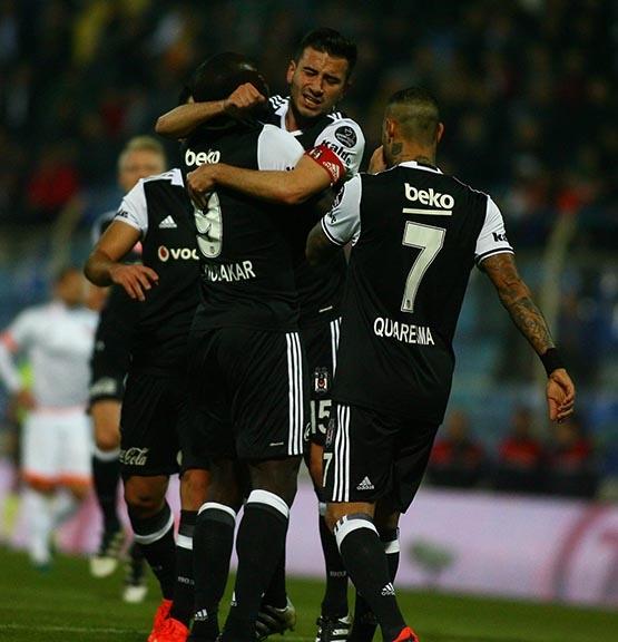 Adanaspor-Beşiktaş maçından kareler 14