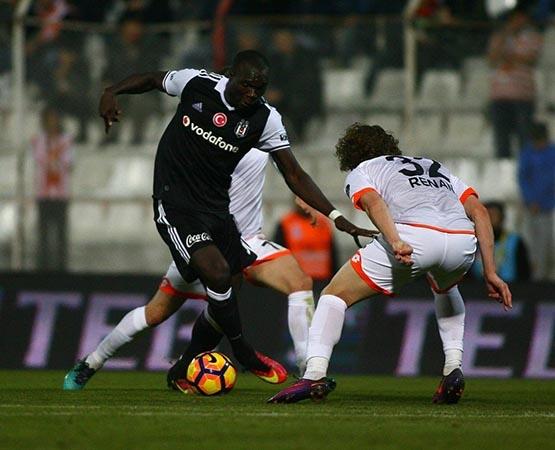 Adanaspor-Beşiktaş maçından kareler 15
