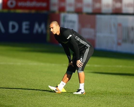 Beşiktaş'ta Benfica maçı hazırlıkları başladı 11