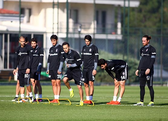 Beşiktaş'ta Benfica maçı hazırlıkları başladı 15