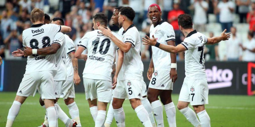 Beşiktaş - LASK Linz karşılaşmasından kareler