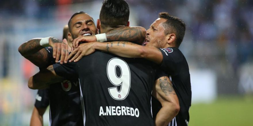 Erzurumspor - Beşiktaş karşılaşmasından kareler