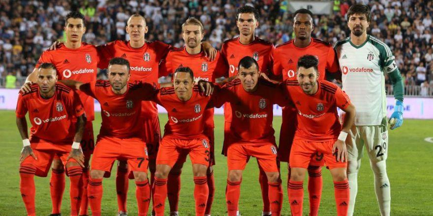 Partizan - Beşiktaş maçının ilk yarısından kareler
