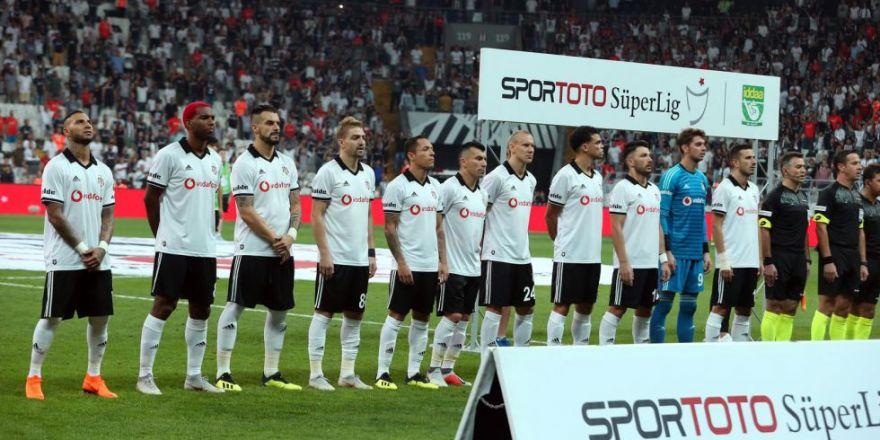 Beşiktaş - Antalyaspor karşılaşmasından kareler